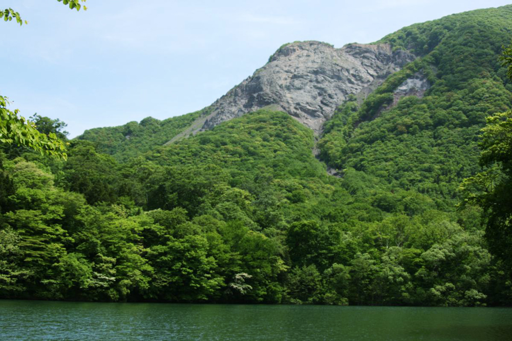 Come trek the perimeter of the 33 lakes of Tsugaru National Park Juniko